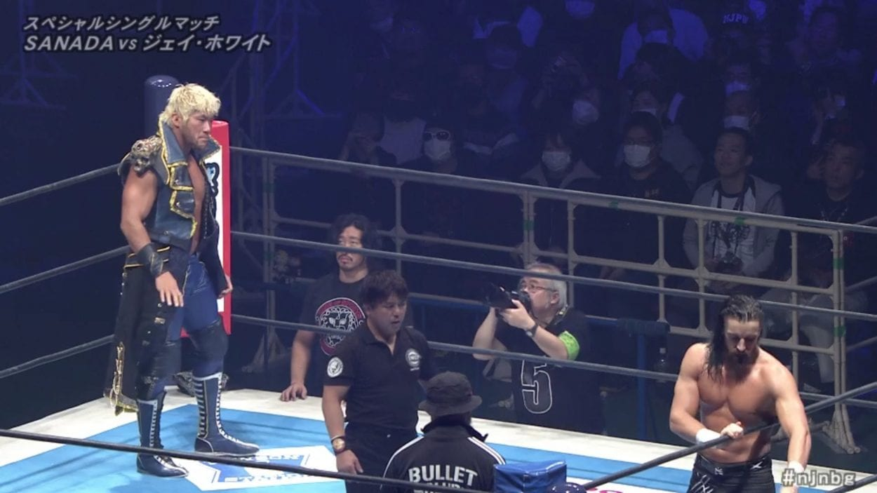Sanada, Jay White and Gedo prepare for their match