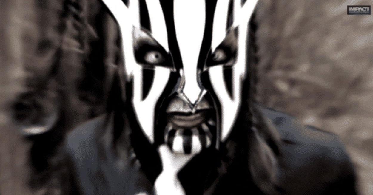 Jeff Hardy poses as 'Willow'