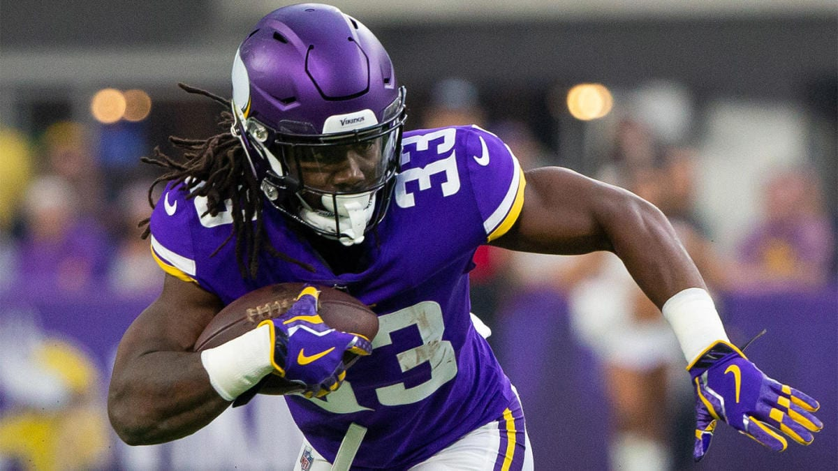 Dalvin Cook rushes towards the end zone