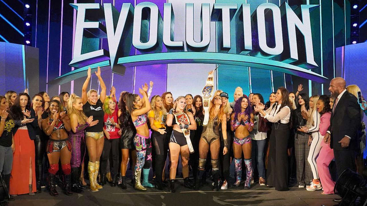 The competitors of Evolution all appear on stage to celebrate this historic show
