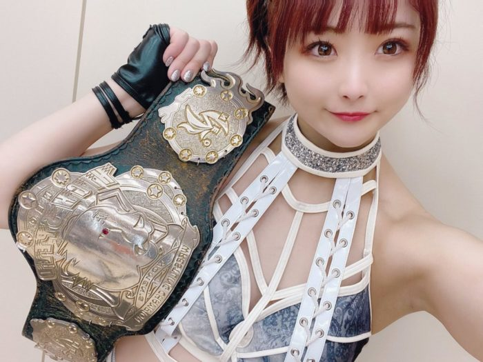 Natsupoi of Donna del Mondo with her High Speed Championship